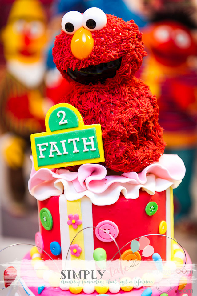 Elmo dessert table, Elmo cake, elmo birthday, sesame street birthday, elmo's cake