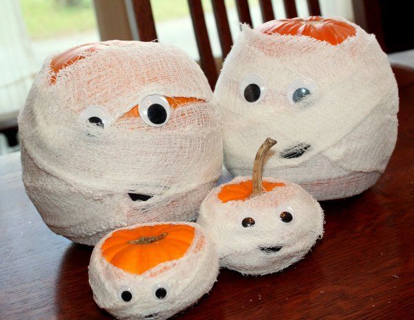 Pumpkin decor, pumpkin mummy
