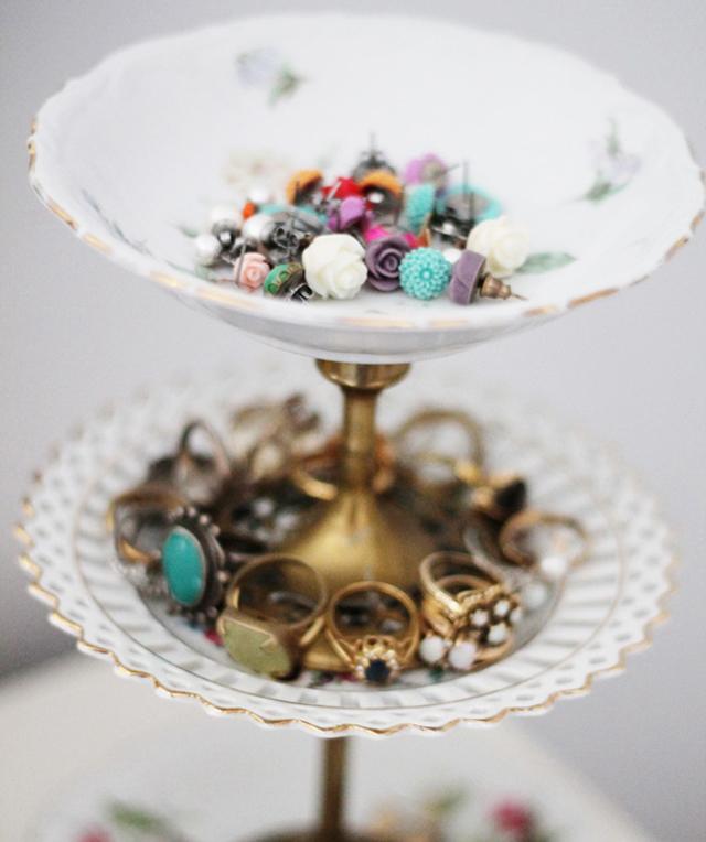 cupcake stand, tiered plates, jewelry organizer, diy jewelry organizer