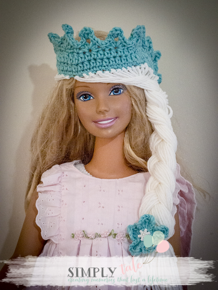 Free Crochet Pattern Frozen Elsa Hat : {DIY costume}: Frozen Elsa crochet hat and tiara patterns ...