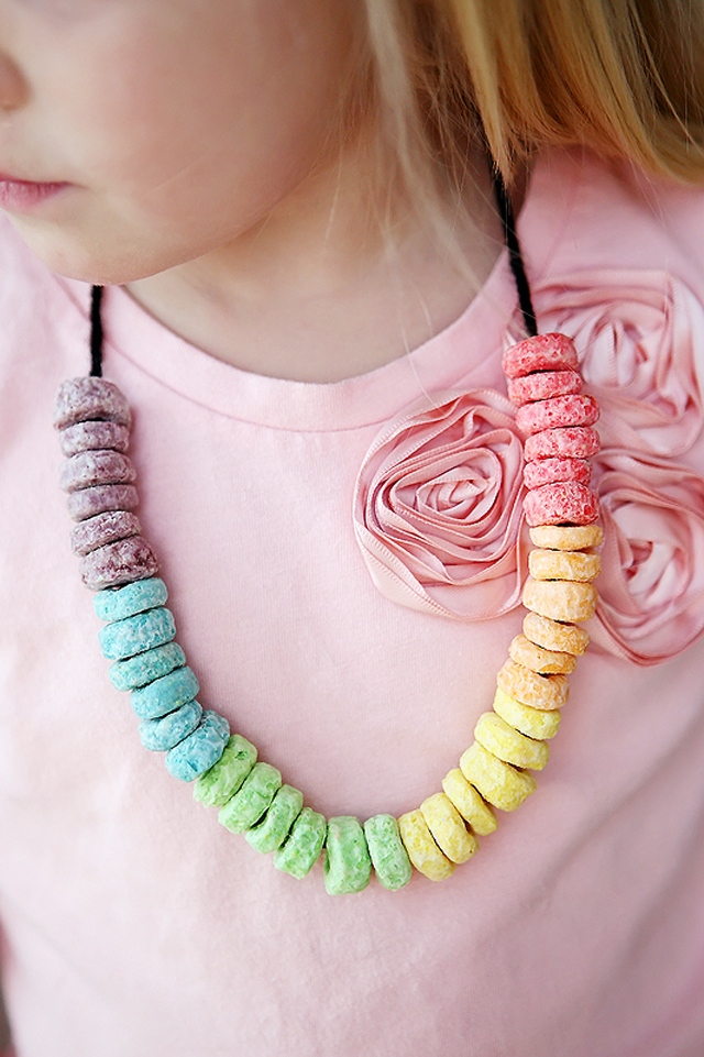 candy, necklace, candy necklace, diy, kids activity, couture, candy couture, necklace couture