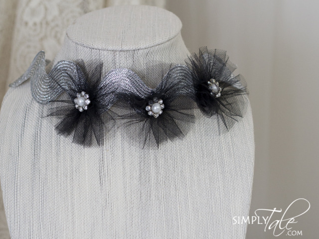 flower crown, wedding, crown, headband, hairdress, hair accessories, flower girl, bride, bride to be, beautiful, head wreath, silver, black, polkadots