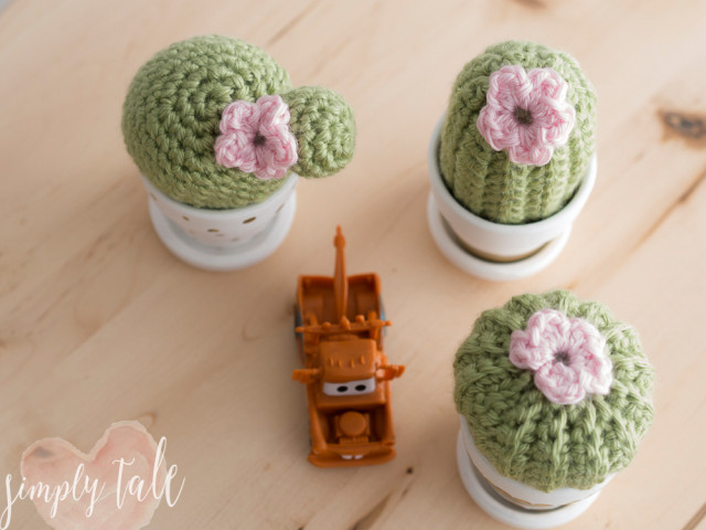 Free Crochet Pattern For Cactus : {Crochet} 3 Musketeer Cacti pattern Simply Tale