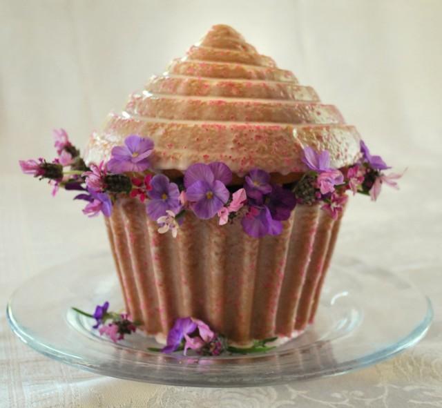 giant cupcake, home cake, giant cupcake cake, naked cake