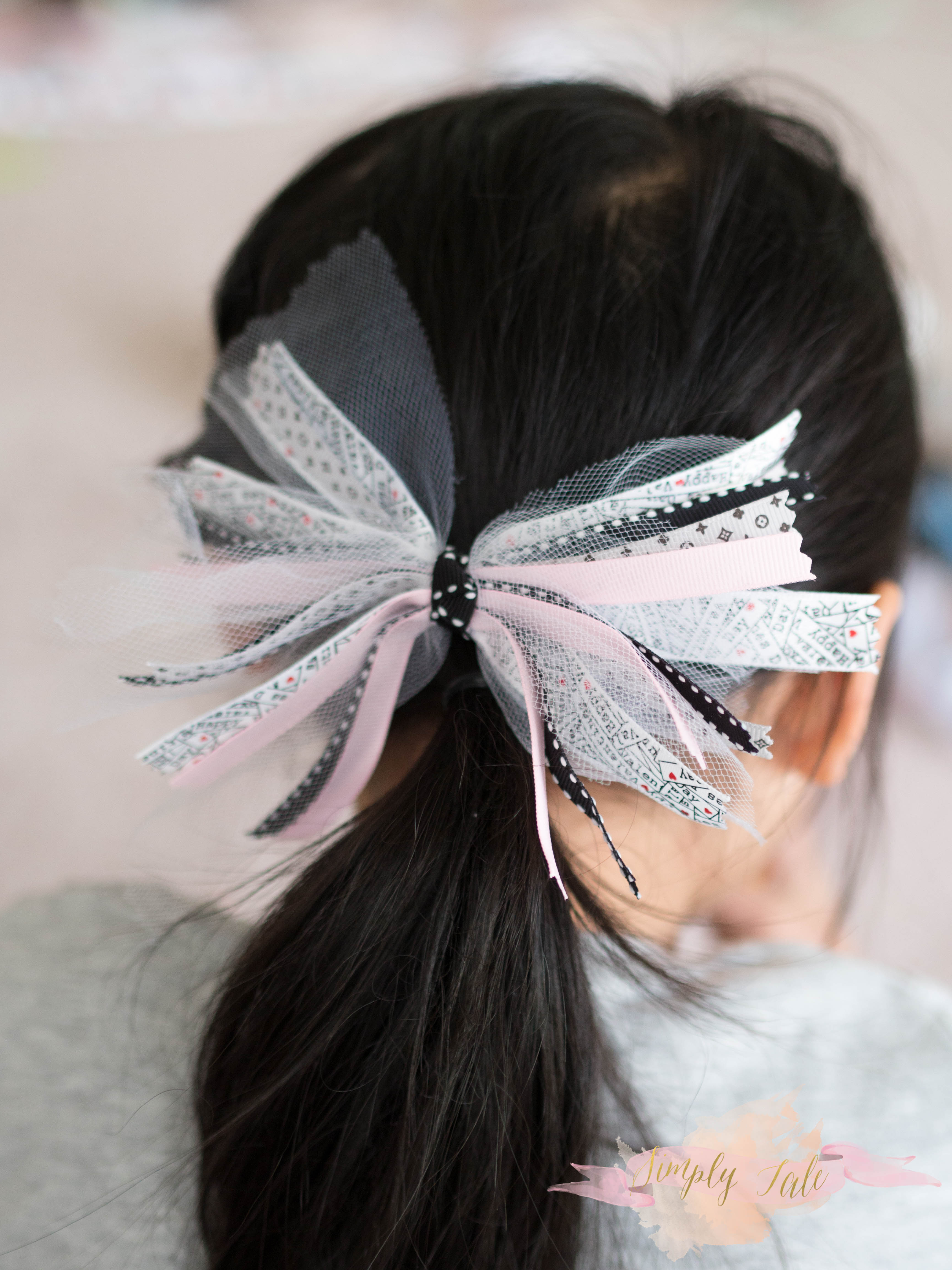 DIY} Tulle and Ribbon Scrap Bows | Simply Tale