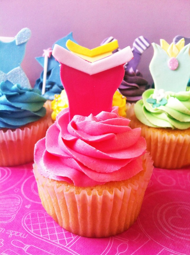 Princess Aurora cupcake, disney princesses, aurora, sleeping beauty, disney birthday, princess cupcakes