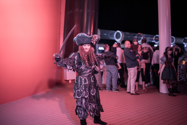 disney cruise, pirate party, disney