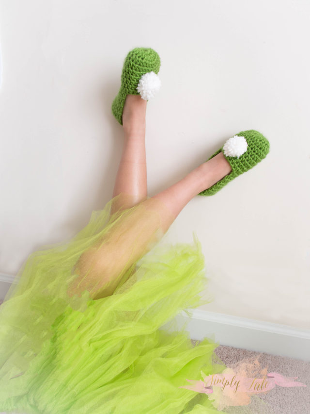 crochet, slippers, shoes, crochet slippers, tinkerbell, tinkerbell shoes, sexy legs