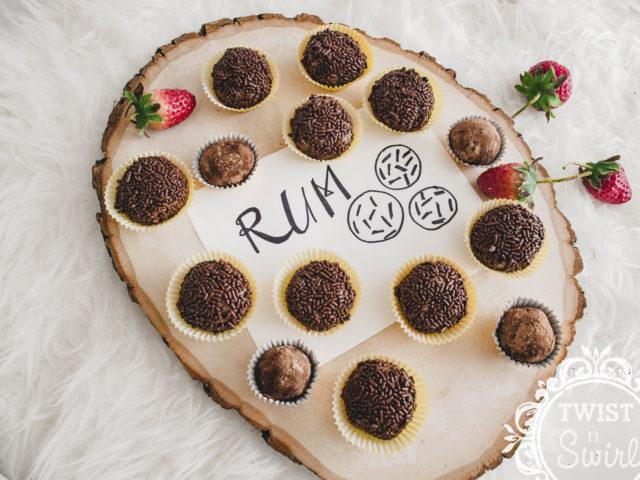 alcoholic dessert, dessert, chocolate, rum balls, dutch dessert, easy to make dessert, christmas, truffles