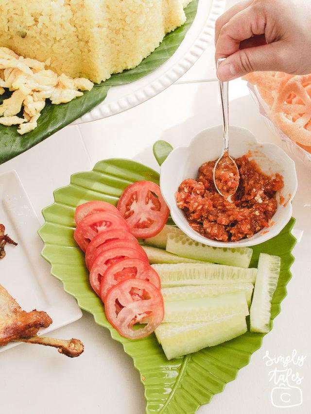 yellow rice, nasi tumpeng, nasi kuning, syukuran, nasi tumpeng moderen, tumpeng praktis, indonesian food,indonesian salad, sambal terasi, lalapan,