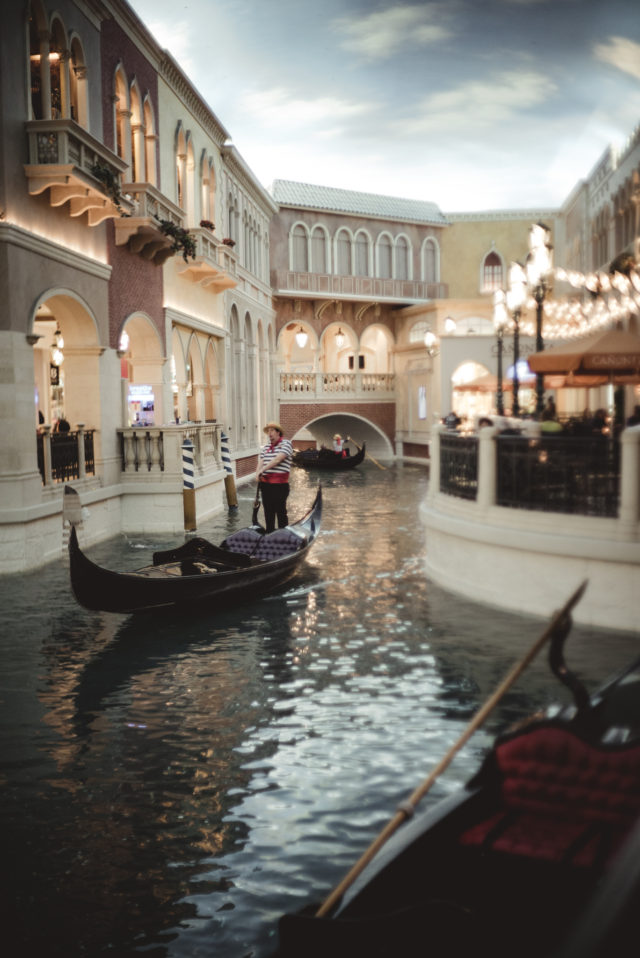 las vegas, hotel at vegas, venetian, gondola ride, water taxi