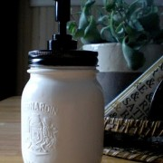 Mason+jar+soap+dispenser.JPG