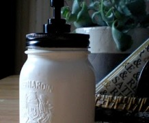 Mason+jar+soap+dispenser.JPG