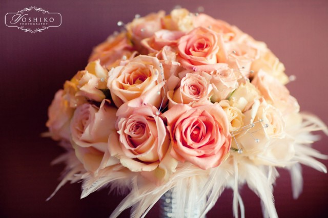 Martha Steward wedding, peach bouquet, feather bouquet