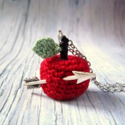 apple crochet necklace, crochet necklace