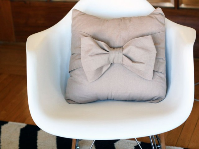 decorative pillow, diy pillow, christmas gift, bow pillow